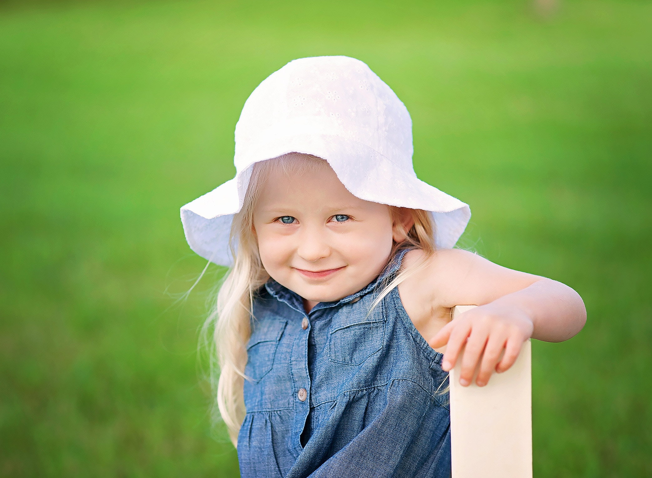 little girl in sunhat